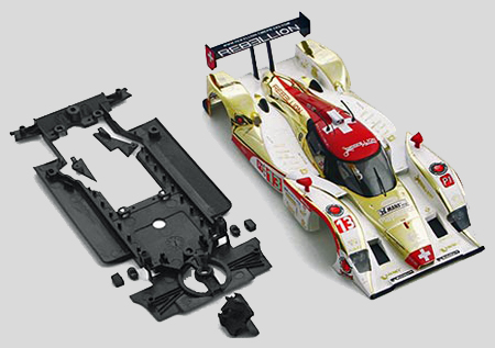 Slot It SICS22LB Lola LMP Painted body with chassis and guide