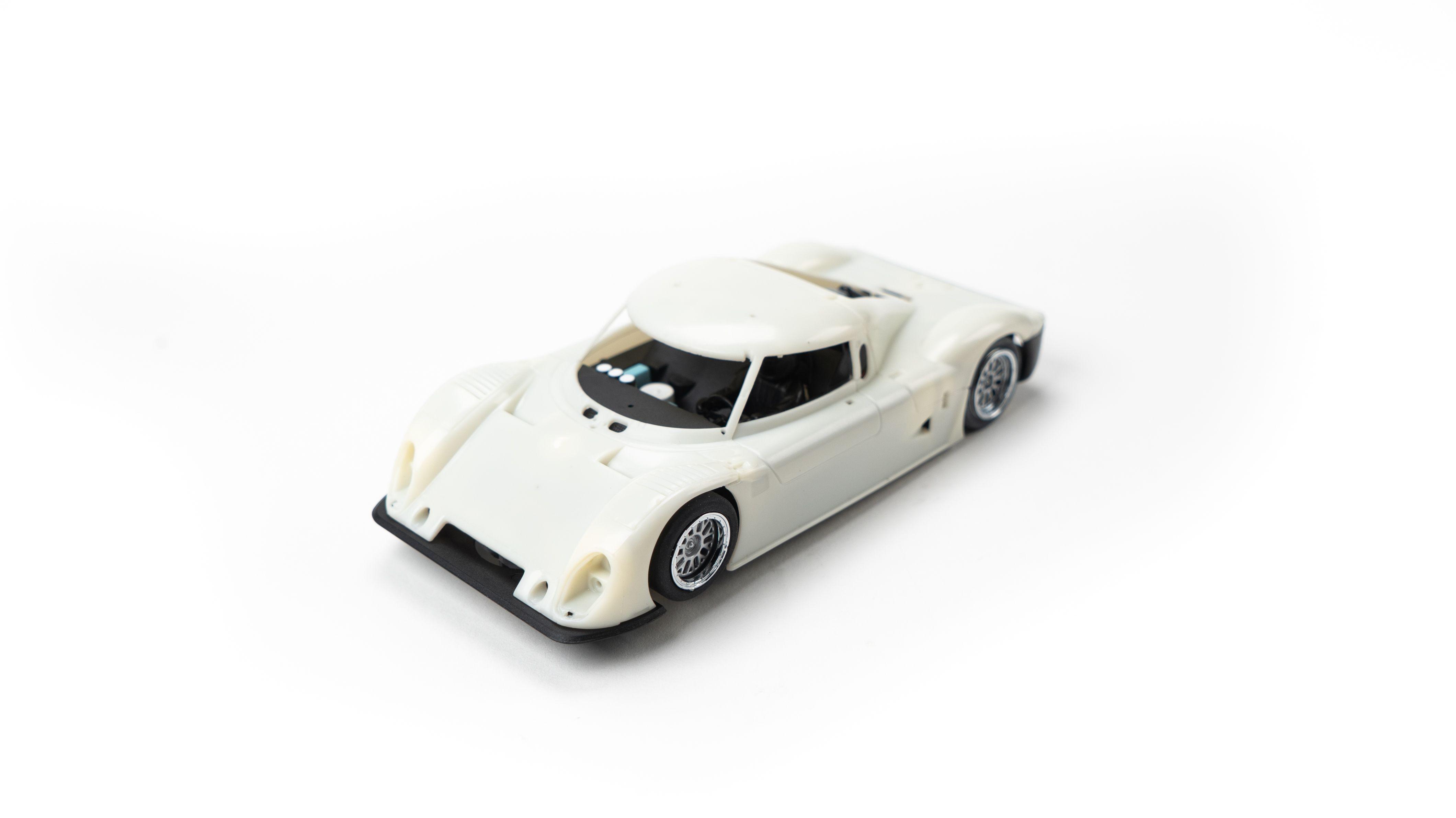 Racer Sideways Riley MKXX Unpainted White Kit Slot Car 1//32