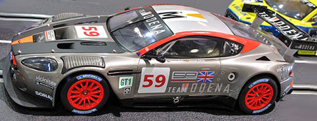 Carrera 23785 Aston Martin DBR9, Digital124