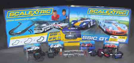 ED1000 Ultimate Scalextric 4-lane Race Layout with classic cars