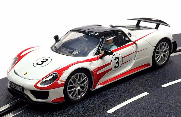 02_Carrera 27477 Porsche 918 Spyder