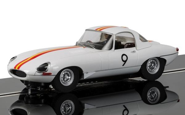 Scalextric C3890 Jaguar E Type 1965 Bathurst Bob Jane